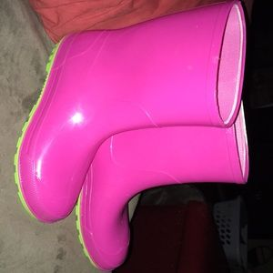 Other - like new girls rain boots
